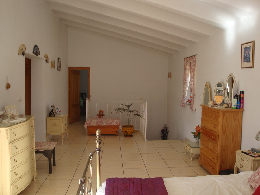 For sale 4 Bedroom Cortijo